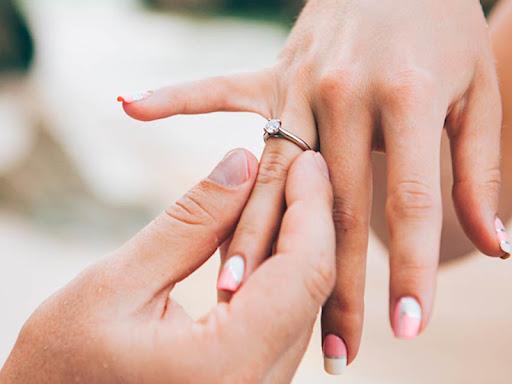 mơ thấy đính hôn